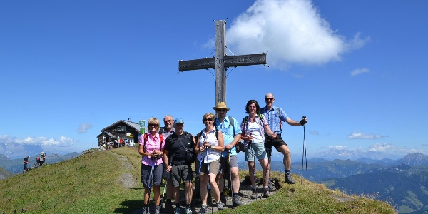Gamskarkogel, 2467m - Gipfelkreuz und Badgasteiner Hütte