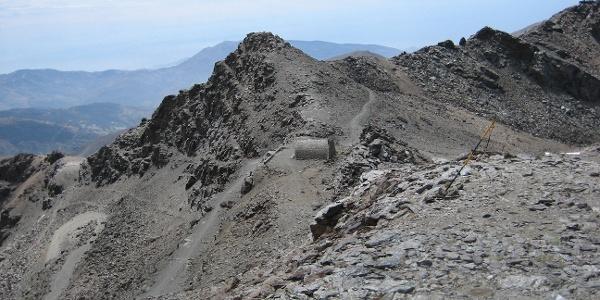 Refugio de la Carihuela im Abstieg vom Pico de la Veleta