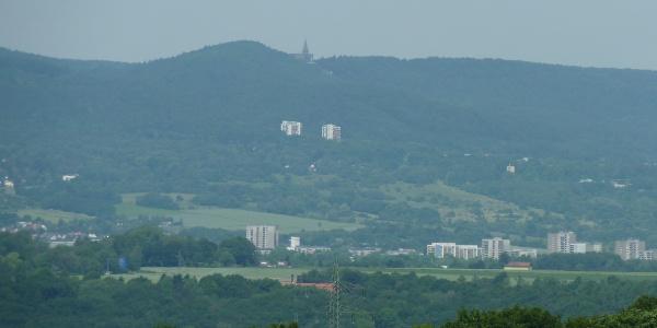 Blick über das Kasseler Becken mit Bergpark Wilhelmshöhe und Herkules