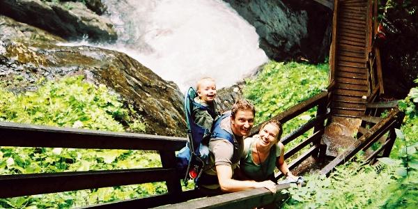 Wanderung zum Günstner Wasserfall