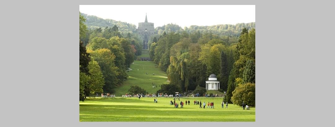 Der Bergpark Wilhelmshöhe lädt ein zu herrlichen Spaziergängen und Wanderungen.