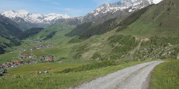 Ausblick aufs Tal von Ost nach West.