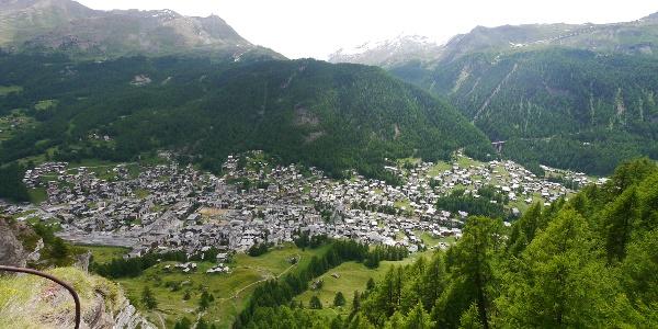 Vue sur Zermatt depuis le gîte edelweiss