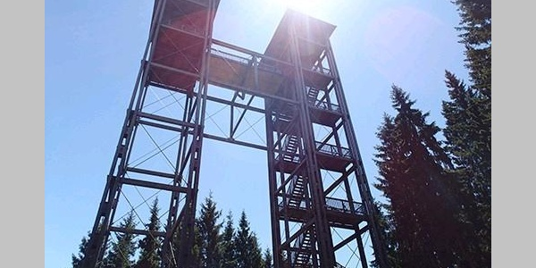 Tremmelberg - Turm im Gebirge