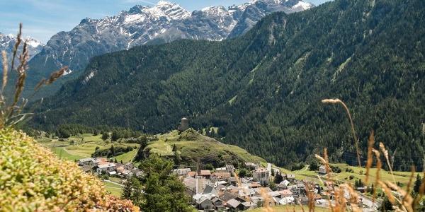 Das Engadiner Dorf Ardez.