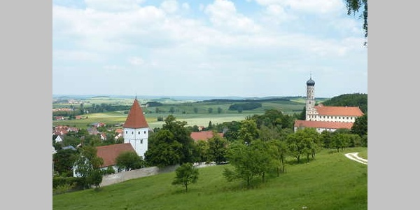 Mönchsdeggingen mit Kloster
