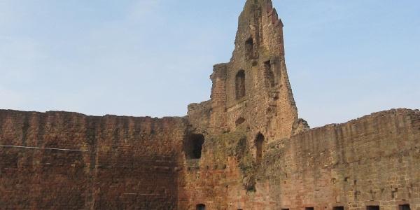Die Burg Neuleiningen wurde um 1240 von einem Leininger Grafen erbaut.
