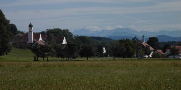 Blick auf Kardorf und die Zugspitze