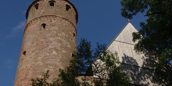 Der Blasiusturm an der Stadtmauer von Kaufbeuren.