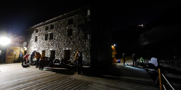 Früher Aufbruch am Rifugio Città di Mantova