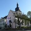 Rathaus und evangelische Kirche in Marktleuthen, dem Start- und Zielpunkt unserer Tour.