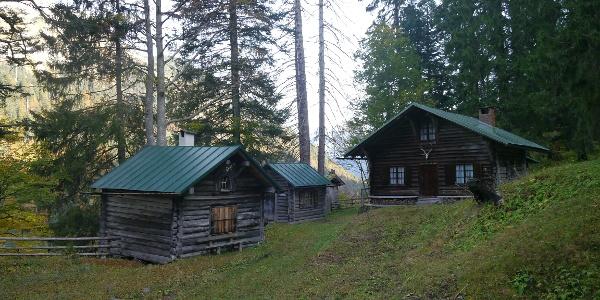 Jagdhütten nahe des Giebelhauses