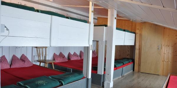 Das Matratzenlager oberhalb der Gaststube