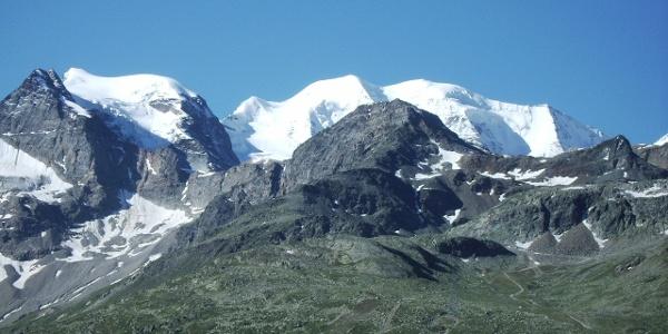Blick auf die Berninagruppe.