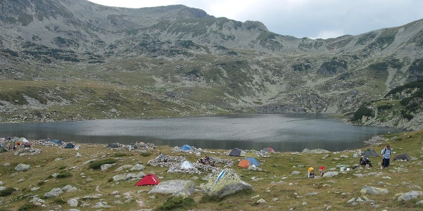 Zelten neben Bucura See