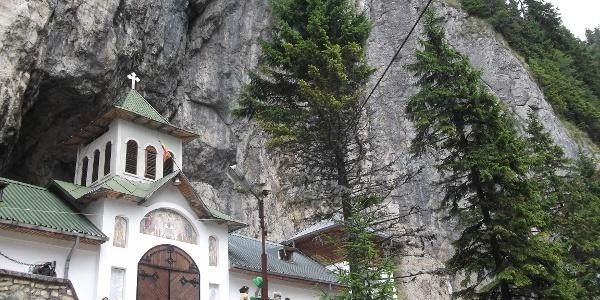Ialomicioara Kloster
