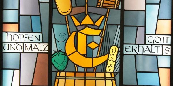 historisches Schmuckfenster in der Einbecker Brauerei