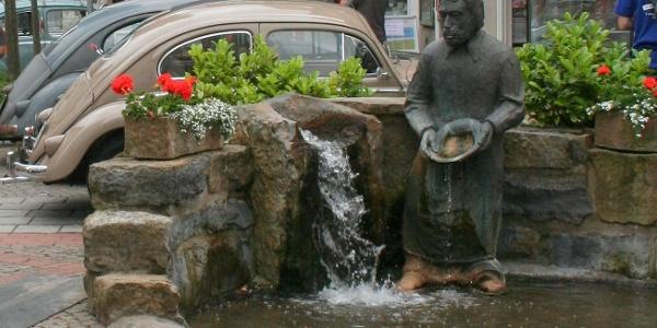 Der Baxmannbrunnen im Herzen von Hessisch Oldendorf