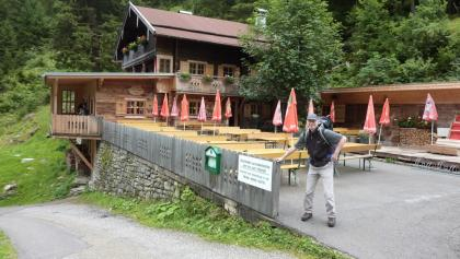 Grüne Wand Hütte