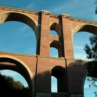 Die eindrucksvolle Elstertalbrücke.