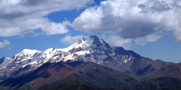 Bidara 3174 m mit Blick zum Kasbek