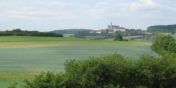 Blick zurück auf's Kloster Neresheim