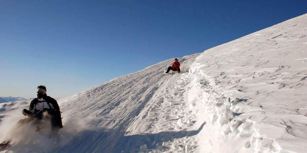 We meet other sledders as we make our way towards the summit