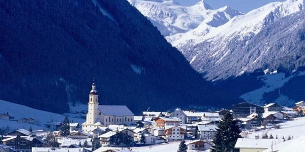 Stubai Neustift Winter mit Gletscher