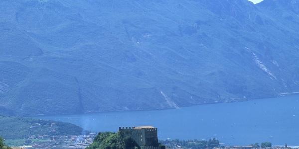 Tenno e panoramica sul Lago di Garda