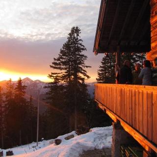Sonnenuntergang auf der Hüttenterrasse