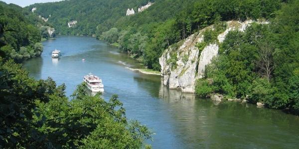 Weiter Blick in die Weltenburger Enge, Donaudurchbruch im Altmühltal