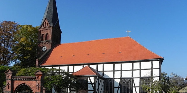 Ev. Kirche Güsen