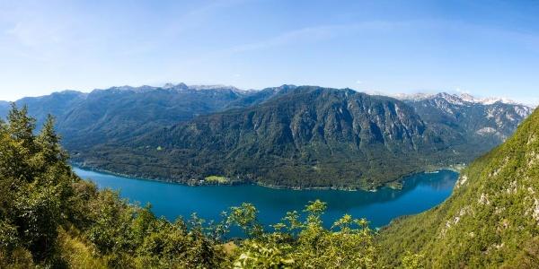An der Hütte Kosijev Dom befindet sich ein wunderbarer Aussichtspunkt auf den Bohinjsko Jezero