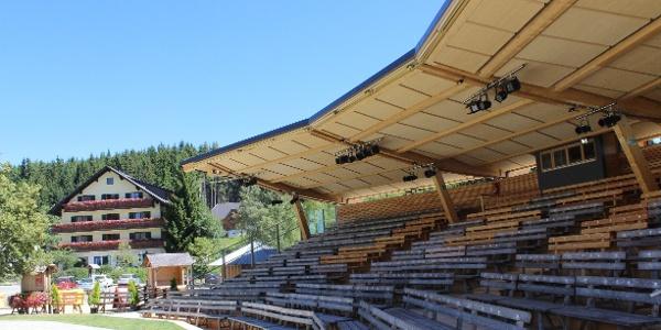 Huabn-Theater, Brandlucken, Bühne