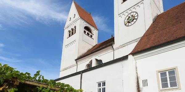 Rast im Klostergarten St. Johannes in Steingaden