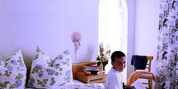 Gästezimmer (Copyright: Berg-Hahn)