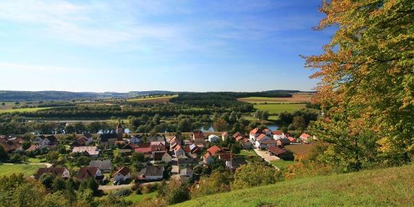 Blick von den Oberndorfer Hängen auf den Bad Abbacher Ortsteil Oberndorf
