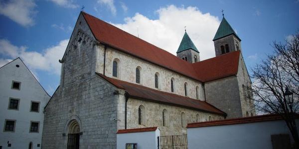 Pfarr- und ehemalige Klosterkirche St. Maria Immaculata in Biburg