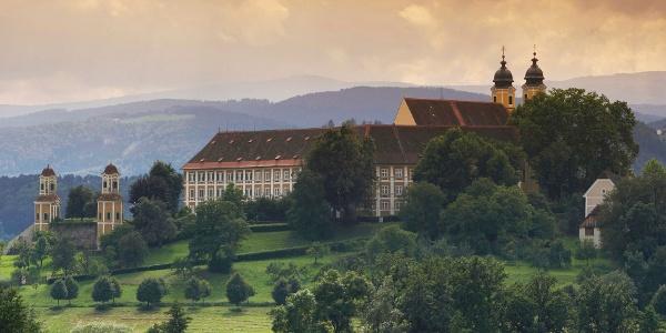 Blick auf Schloss Stainz im Schilcherland
