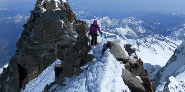Couloirausstieg zum Gipfelgrat, dahinter der Grenzgipfel
