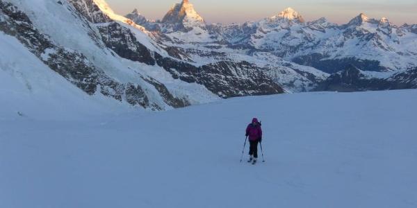 Sonnenaufgang am Breithorn, Matterhorn und Dent Blanche