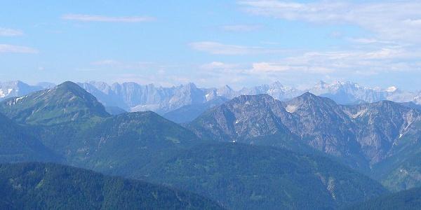 Blick über die Bergwelt von Tegernseer Hütte