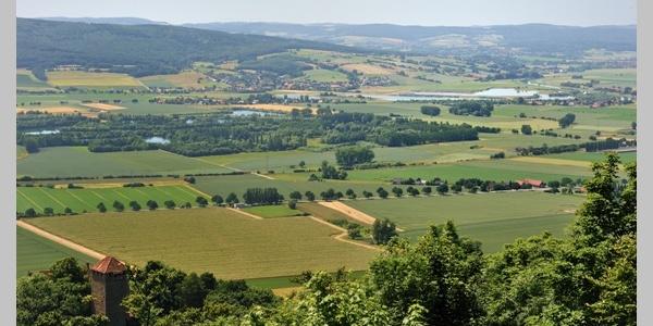 Burg Schaumburg - Panoramablick ins Wesertal