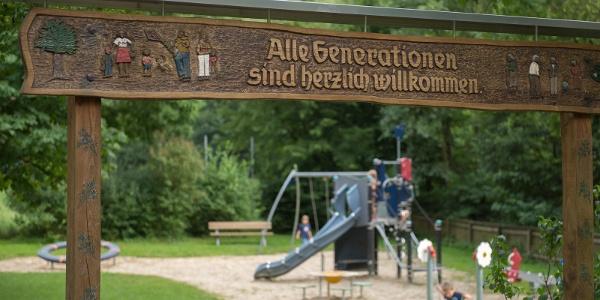 Der Mehrgenerationenspielplatz in lenne