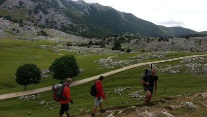 Wanderer im Aizkorri Gebirge
