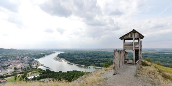 Blick auf Hainburg an der Donau © Donau Niederösterreich/Steve Haider