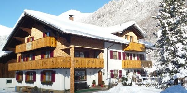 Haus Alme Winter