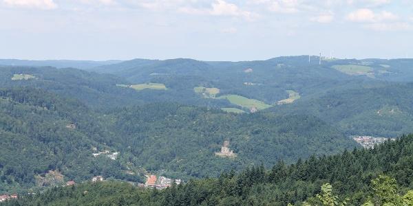 Blick von der Schwarzenberg-Ruine auf die Kastelburg