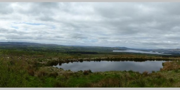 Blick auf Loch Lomond und Conic Hill