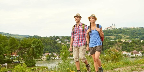 Wandern in Krummnussbaum mit Blick Richtung Maria Taferl